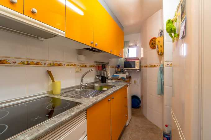 2 Bedroom Apartment in Torrevieja, Alicante, Spain, €68,500