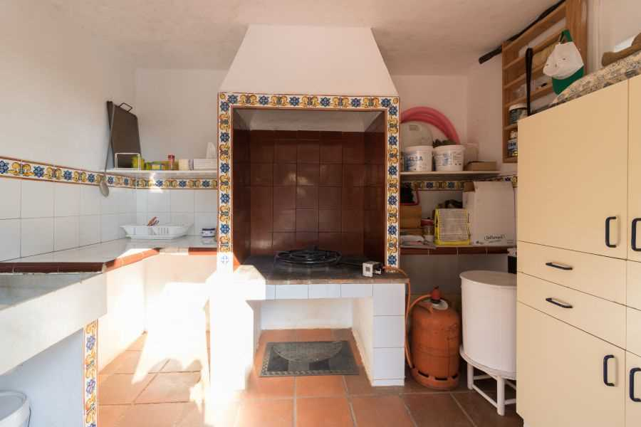 Detached 4 Bedroom Villa with Private Pool in Valencia, Spain, €240,000