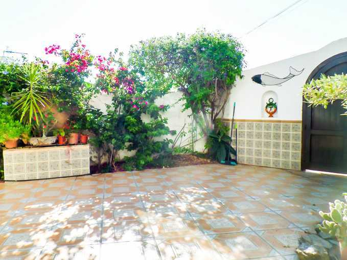 5 Bedroom Detached Villa with Private Pool in La Parata, Mojacar, €450,000
