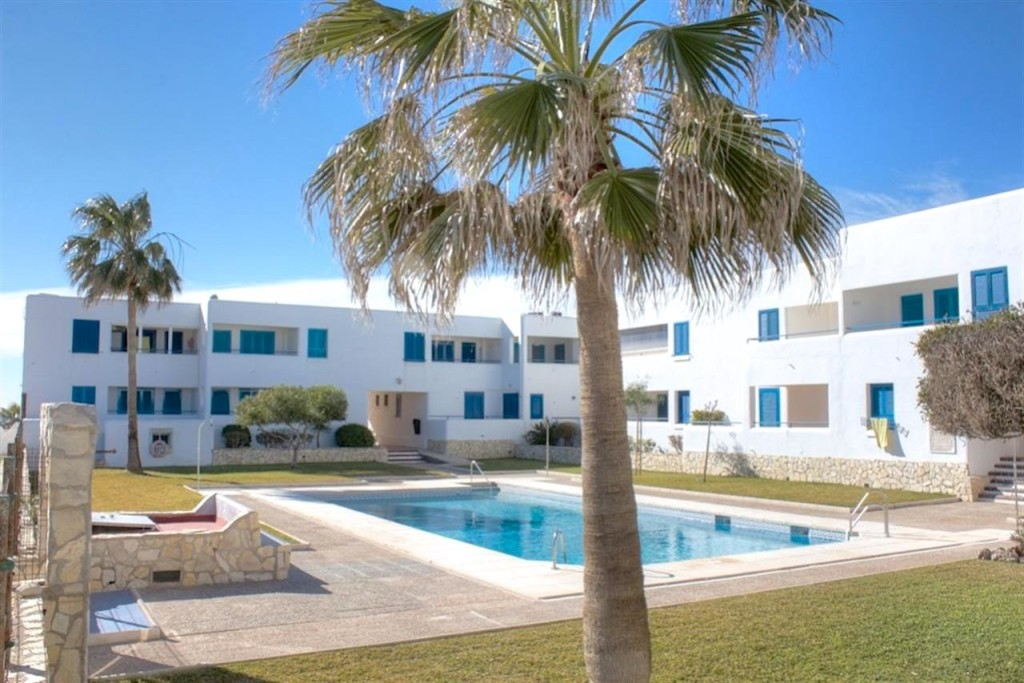 Frontline 2 Bedroom Apartment in Mojacar Playa, Almeria, €185,000