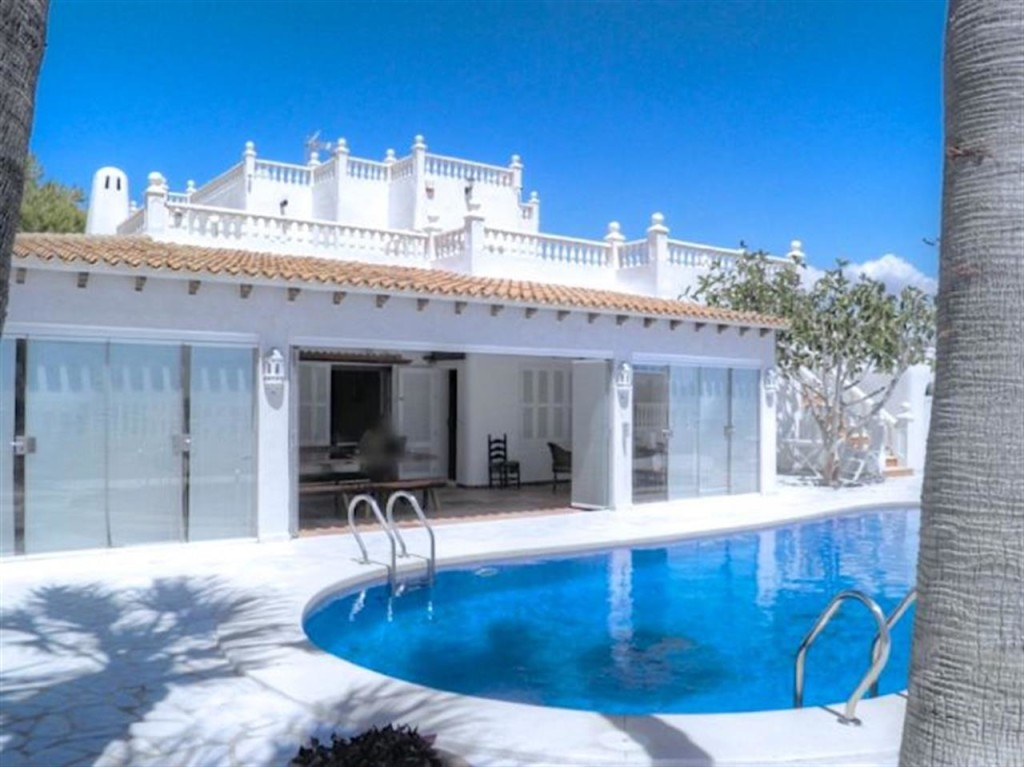 Magnificent Beach Front 5 Bedroom Villa with Private Pool in Puerto Rey, Vera, Almeria, €1,395,000