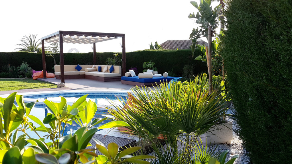 Detached 5 Bedroom Villa with Private Pool in Nueva Andalucia, Malaga, Spain, €1,500,000