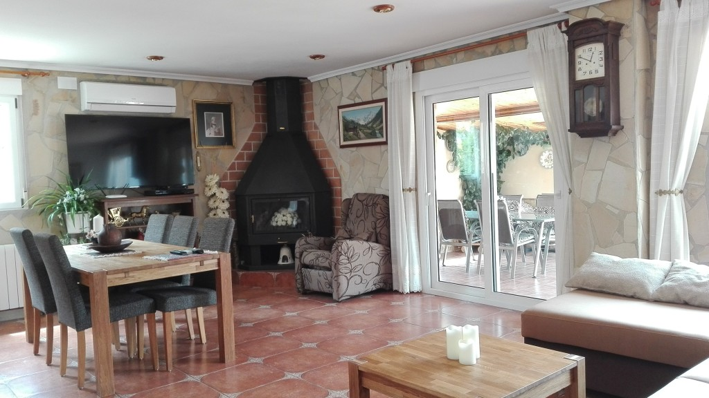 Spectacular 4 Bedroom Bungalow with Pool in Concentaina, Alicante, Spain, €290,000