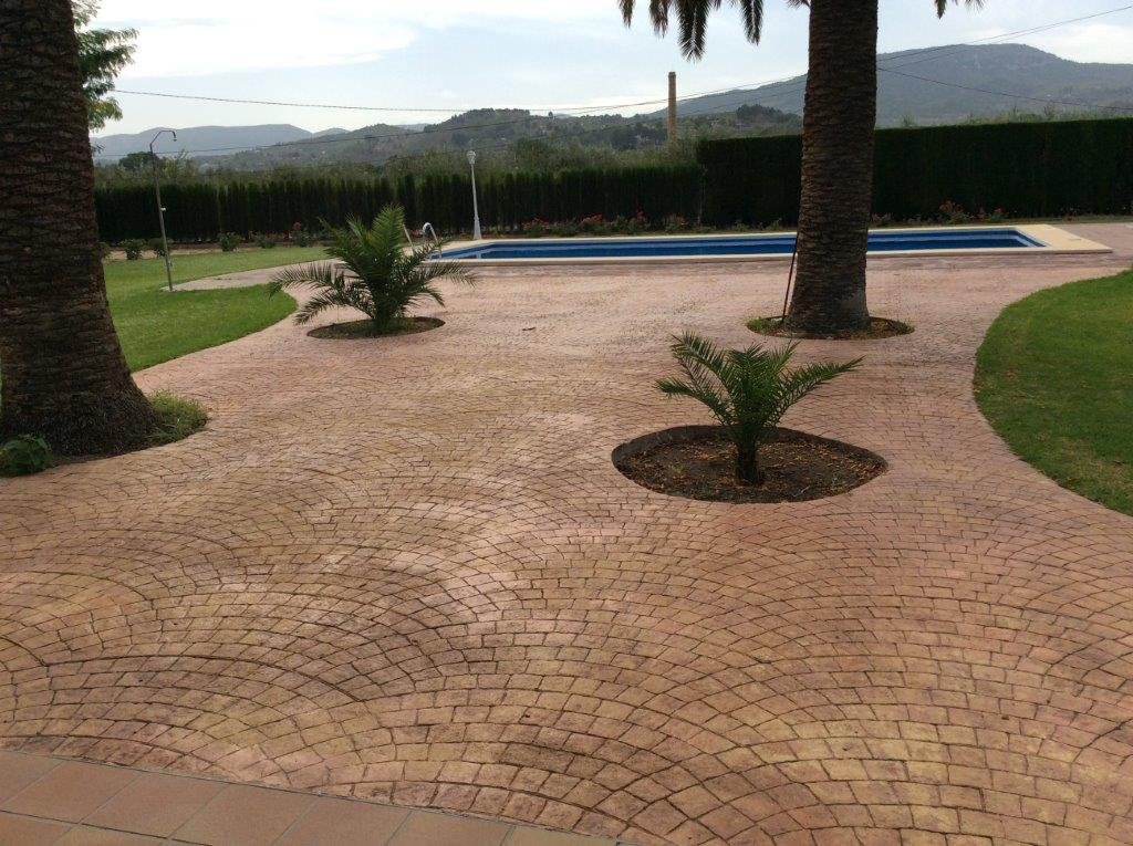 5 Bedroom Bungalow with Private Pool in Cocentaina, Alicante, Spain, €375,000