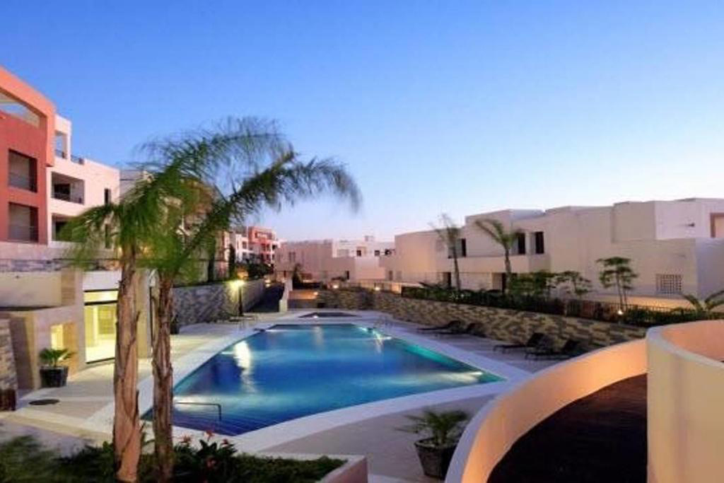 Spectacular  2 Bedroom Penthouse with Stunning Sea Views in Marbella, Malaga, €360,000
