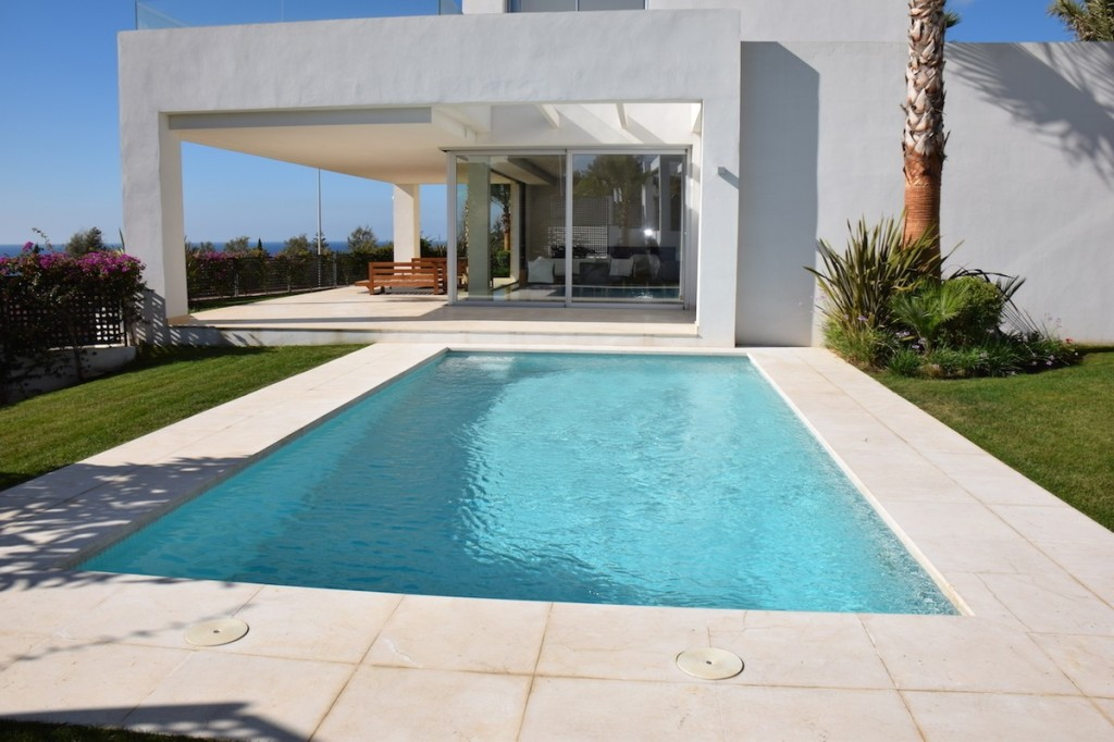 Fantastic 3 Bedroom Villa with Breathtaking Sea Views in La Finca De Marbella €1,650,000