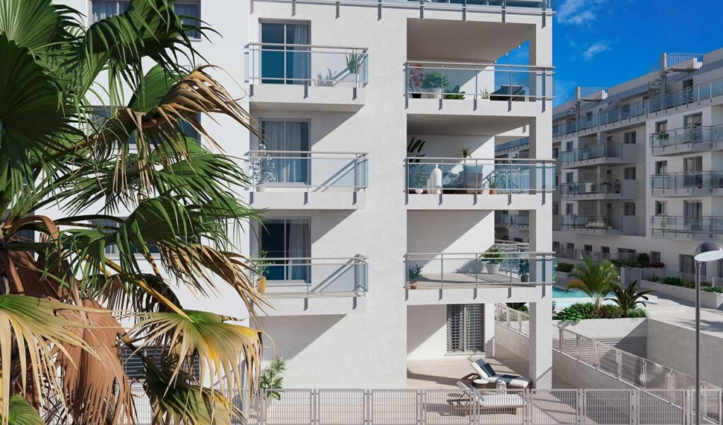 New Frontline 2, 3 & 4 Bedroom Apartments in Torrox Costa, Malaga, Spain, From €170,700