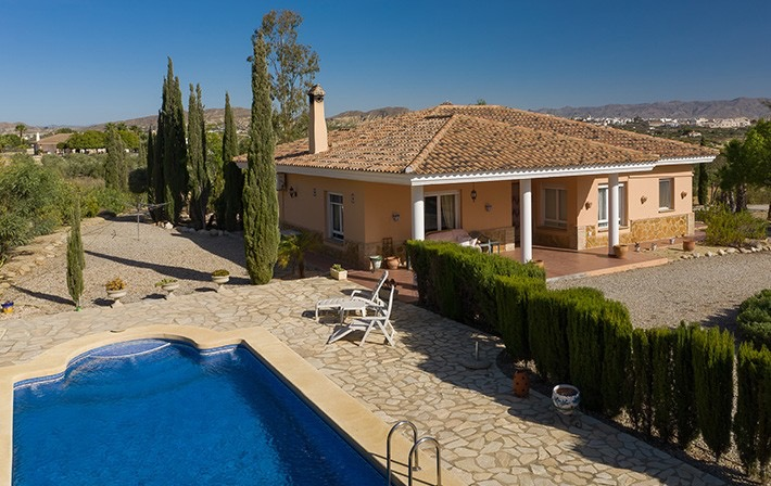 Detached 3 Bedroom Bungalow with Pool in La Loma de Vera, Almeria, Spain, €295,000