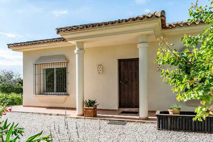 3 Bedroom Detached Villa with Private Pool in Marbella, Malaga, Spain, €639,000